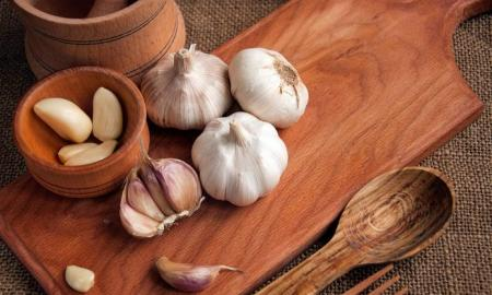 8 Health Benefits Of Eating Garlic Every Day